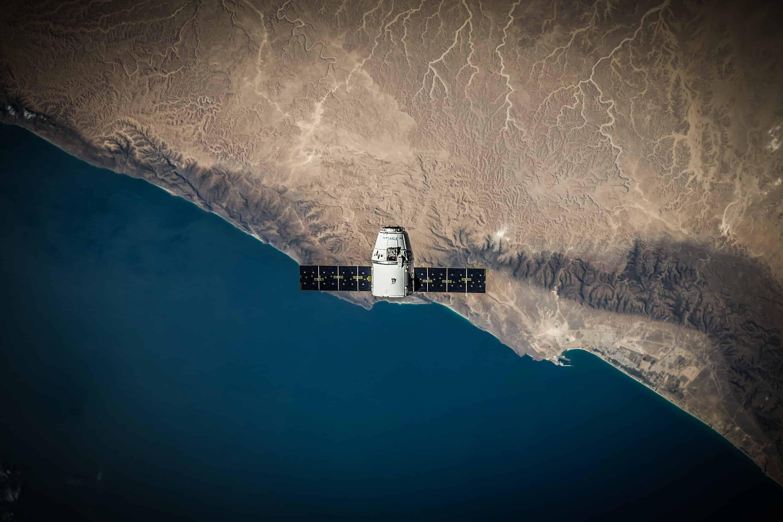 baza danych satelitarnych