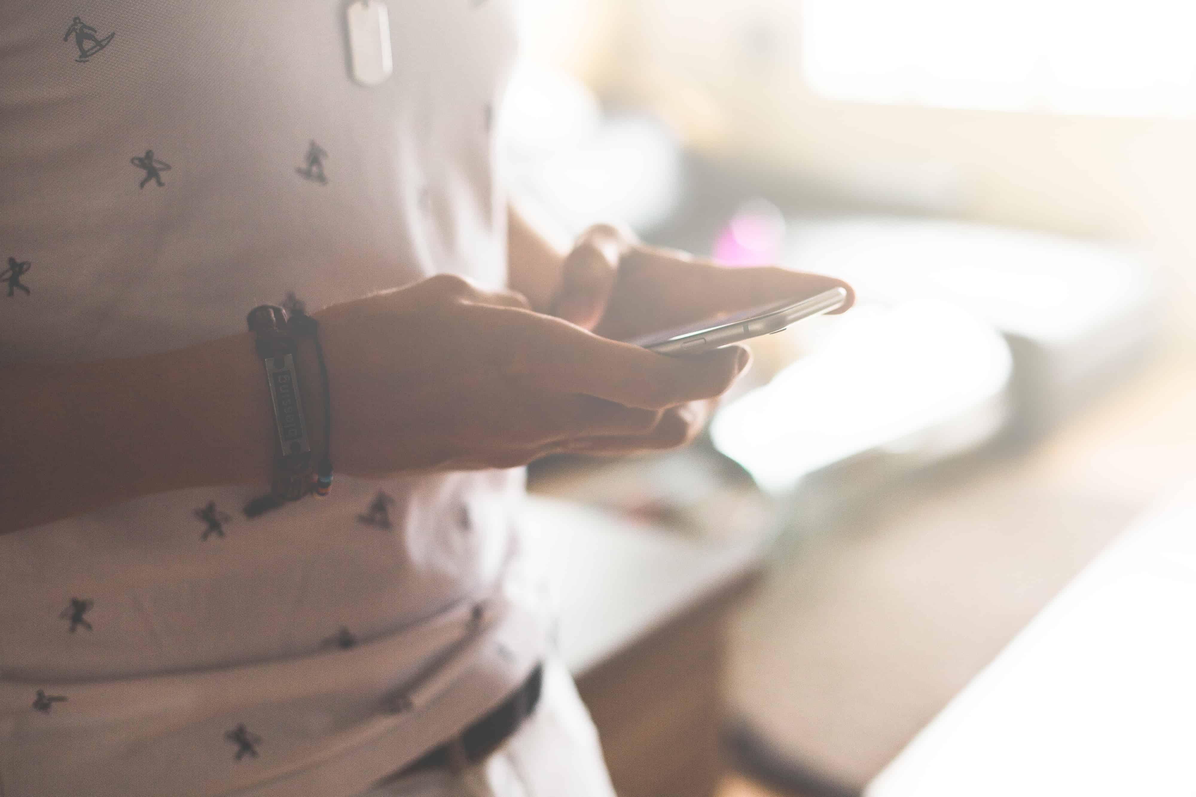 korzystanie z telefonów komórkowych. raport